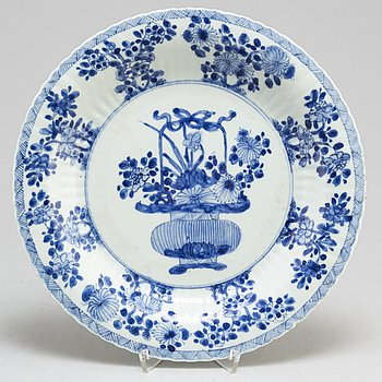 SKÅLFAT, kompaniporslin. Qing dynastin, Kangxi (1662-1722).