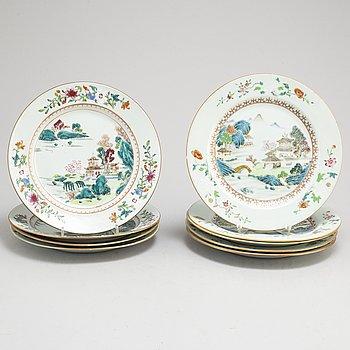 TALLRIKAR, nio (5+4) stycken, kompaniporslin, Qingdynastin, Qianlong (1736-95).