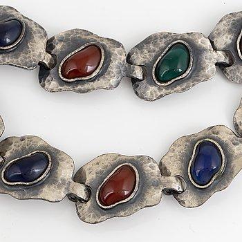 GUY LAROCHE, Armband och collier, silver, i etui.
