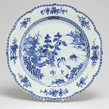 PRAKTFAT, kompaniporslin. Qingdynastin, Qianlong (1736-95).