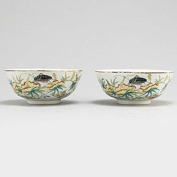 SKÅLAR, ett par, porslin. Kina, tidigt 1900-tal.