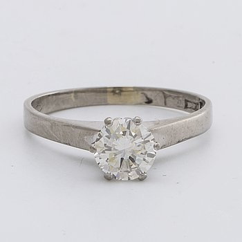 RING 18K whitegold w 1 brilliant-cut diamond 1,0 ct engraved and valuation letter from Caroli Juvel, Malmö 2002.