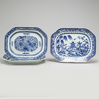 SERVERINGSFAT/STEKFAT, tre stycken, kompaniporslin. Qingdynastin, Qianlong (1736-95).