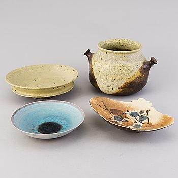 FRANCESCA MASCITTI-LINDH, A ceramic pot and three ceramic bowls, signed FML Arabia.