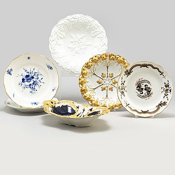 A dish and five plates, porcelain, Meissen, 20th century.