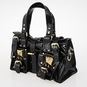 ab464069acc1 Estimate  300 EUR. MULBERRY Black Patent Leather Roxanne for GILES Bag.