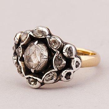 RING, rosenslipade diamanter, 18K guld, silver.