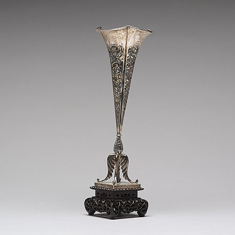 A chinese silver vase, shanghai, early 20th century