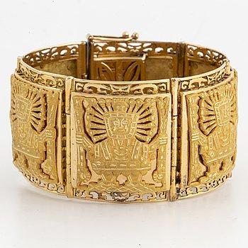 18K gold Peru bracelet.