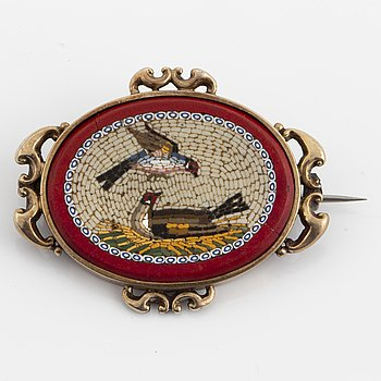 Micro mosaic brooch.