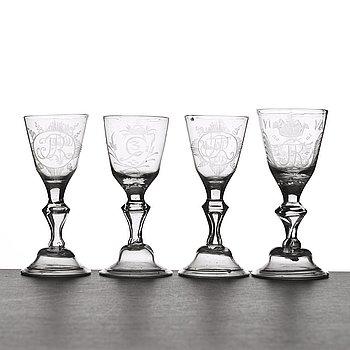 GLAS, fyra stycken. Hessisk modell, 1700-tal.