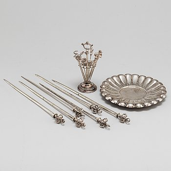 A collection of silver objects, 20 pieces, 20th century.