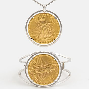 A necklace and bangle, Setting 18K white gold with two 20 dollar gold 1926 and 1922.