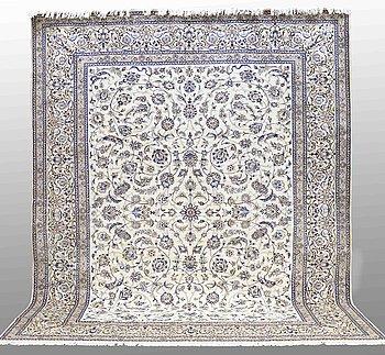 MATTA, Nain, part silk , s.k 9LAA, ca 410 x 320 cm.