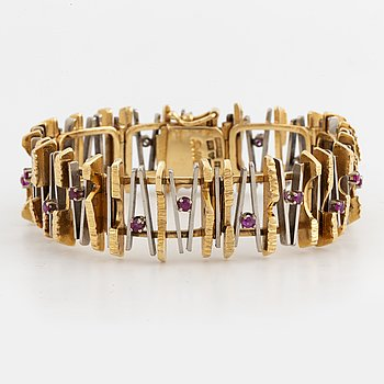 18K gold and white gold bracelet with rubies, Robbert, Trosa, with box.