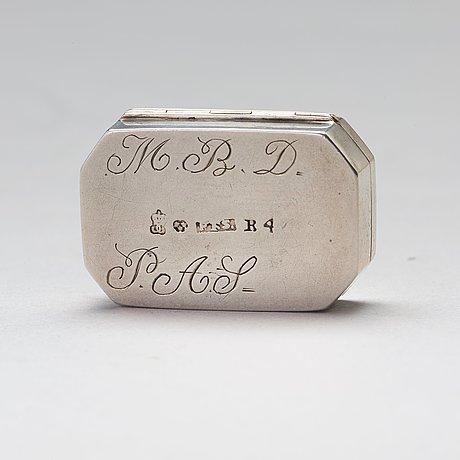 A swedish 19th century parcel-gilt silver snuff-box, mark of petter fredrik sundberg, karlskrona 1832.