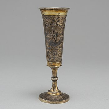 Champagnestrut, förgyllt silver och niello, Icke identifierad mästarstämpel, Moskva 1800-talets förra hälft.