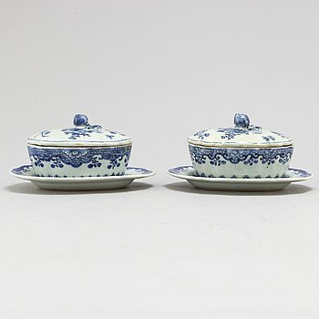 Two blue and white tureen with cover and dish, Qing dynasty, Qianlong (1736-95).