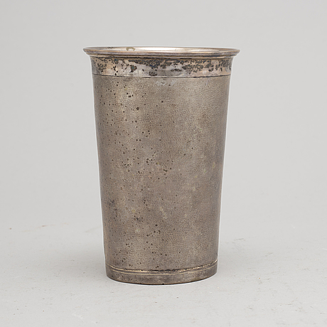 Possibly an 18th century silver beaker, unmarked.