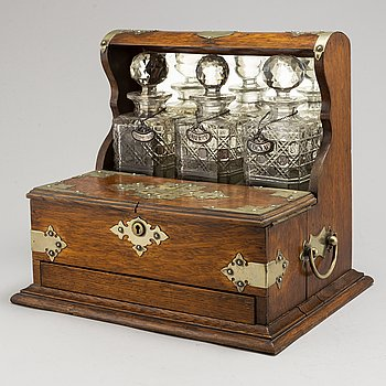 A late 19th Century tantalus.