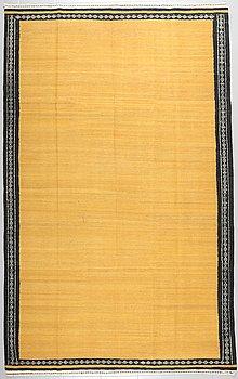 A KILIM VERAMIN, 298 x 185 cm.