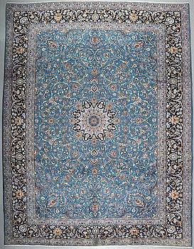 A KESHAN RUG, 400 x 309 cm.