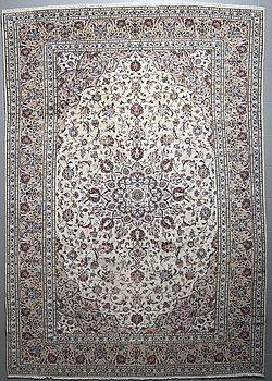 A KESHAN RUG, 357 x 246 cm.