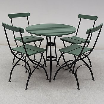 A set of four 'Bryggeristol' garden chairs by Grytshyttan and a tabel, first half of the 20th century.