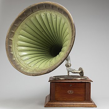 A Union gramophone labled Th. Nilssons Musikhandel, Norrköping, early 20th Century.