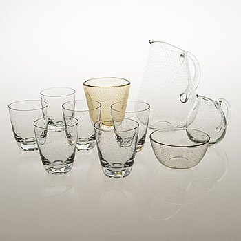 GUNNEL NYMAN, A mid-20th Century set of 'Pore' tableware and a vase for Nuutajärvi, totally 10 items.