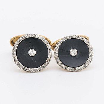 CUFFLINKS 18K gold w onyx, brilliant and rose-cut diamonds approx 0,10 ct in total, 6,9 g, original case.