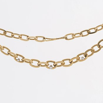 NECKLACE 18K gold w 3 brilliant-cut diamonds 0,21 ct in total engraved, 48,6 g.