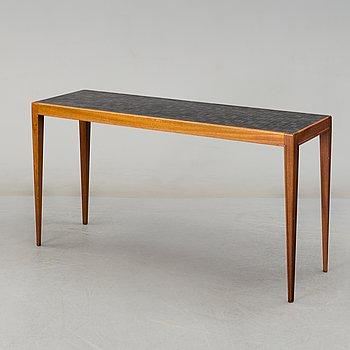 A 1950/60's mahogany table.