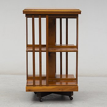 An English bookshelf, late 20th century.