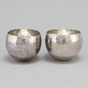 REY URBAN, two sterling silver cups, Stockholm, 1969-84.