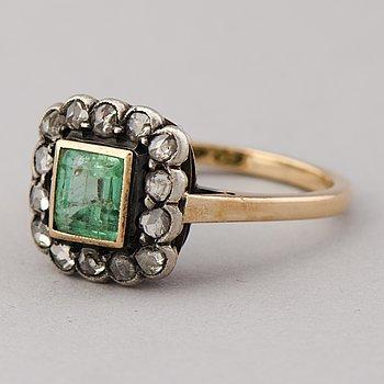 RING, smaragd, rosenslipade diamanter, 18K guld. Helsingfors 1949.