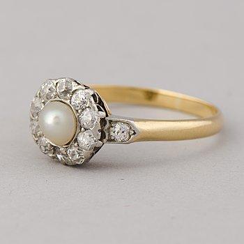 RING, odlad pärla, gammalslipade diamanter, 18K guld.