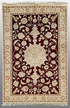 A RUG, Tabriz, part silk 120 x 76 cm.
