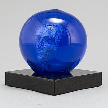 BERTIL VALLIEN, a glass sculpture from Kosta Boda, signed.