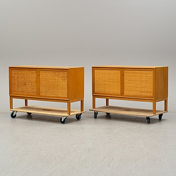 ALF SVENSSON, a pair of oak bookcases with cabinets from Bjästad Snickerifabrik, 1960's.