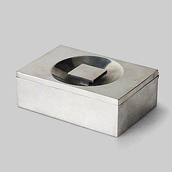 316. Firma Svenskt Tenn, a pewter box, Stockholm 1932, model A 1690.
