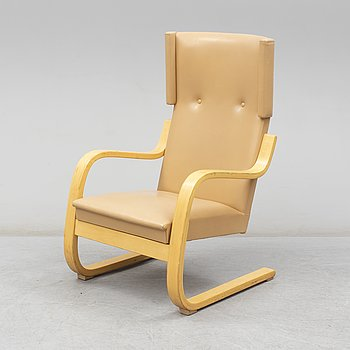 A second half of the 20th Century model 401 easy chair by Alvar Aalto.