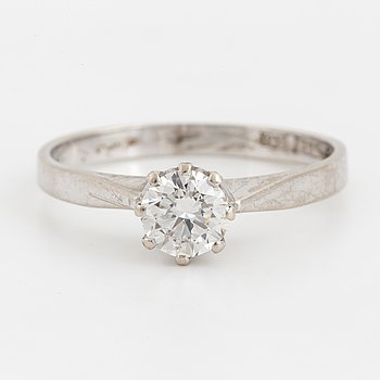 ENSTENSRING, med briljantslipad diamant 0,64 ct.