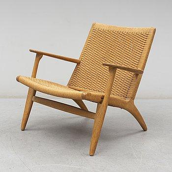 HANS J WEGNER, a 'CH'25' lounge chair, Carl Hansen & Søn, 21st Century.