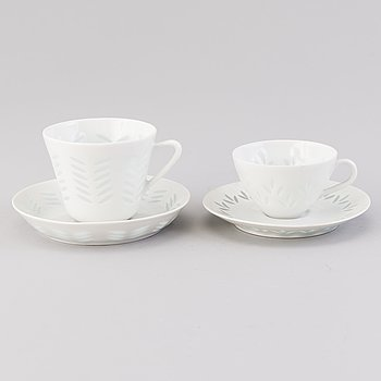 FRIEDL HOLZER-KJELLBERG, A 23-piece porcelain set for coffee and espresso, signed F.H.Kj. Arabia Finland.