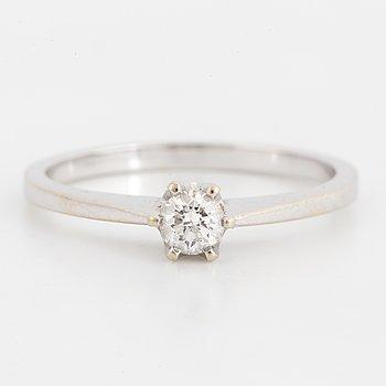 18K white gold and diamond 0,20 ct ring.