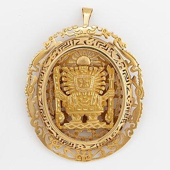 A brooch/pendant 18K gold, Peru.
