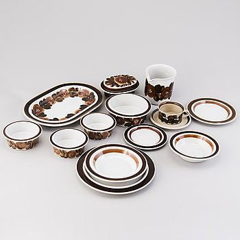 ULLA PROCOPÉ, 53-piece set of 'Rosmarin' and 'Ruija' tableware, Arabia Finland 1960s-1970s.