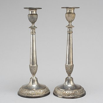 A pair of silver candle sticks, Stockholm 1817.