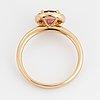 Ring, med rund fasettslipad rosa turmalin och briljantslipade diamanter